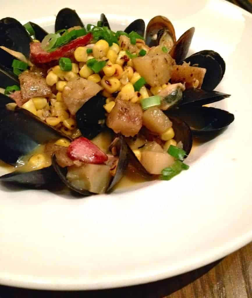 new orleans style mussels e2 emeril's eatery