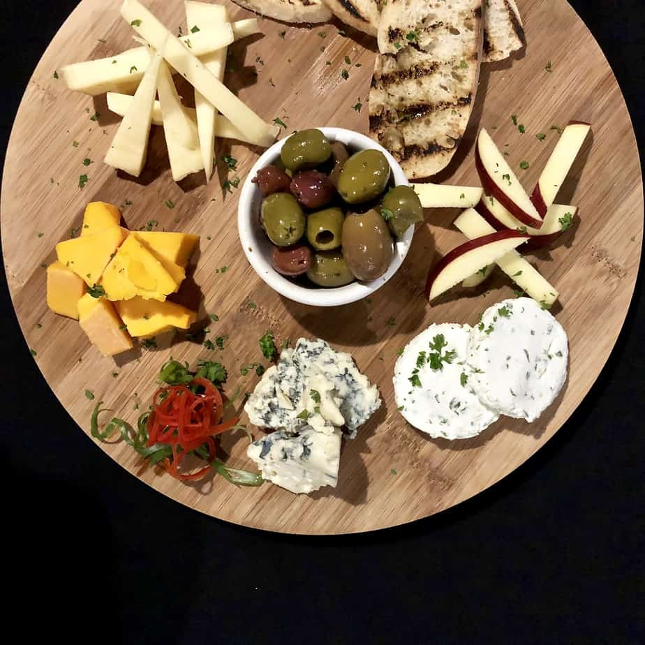 hendersonville restaurants old orchard tavern cheese plate