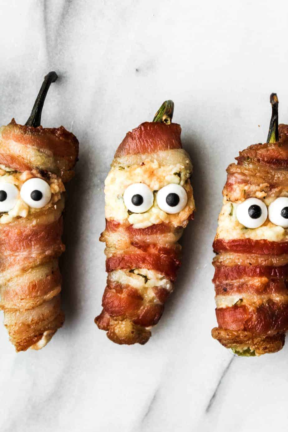 how to make bacon wrapped jalapeno popper mummies